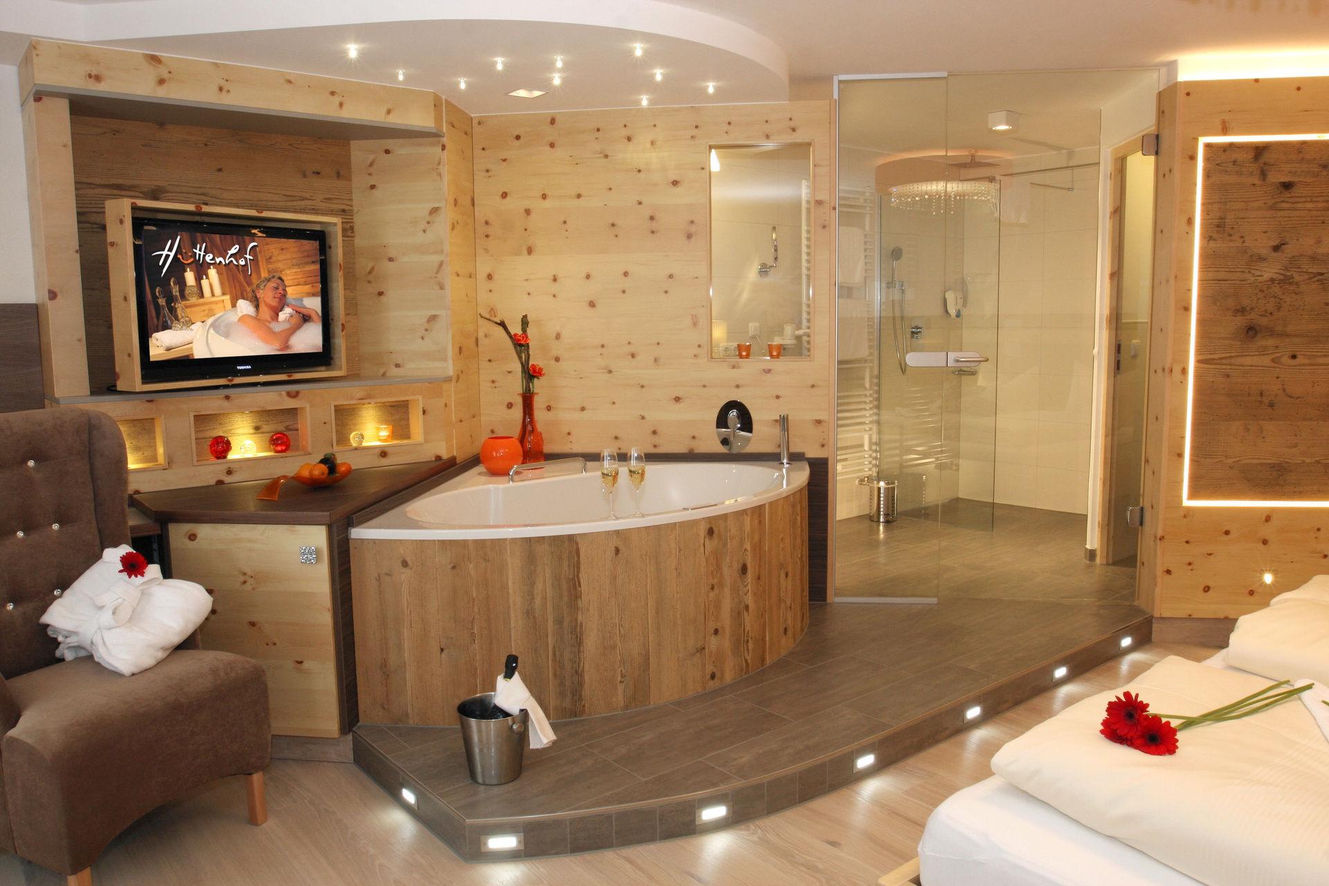 Erwachsenenhotel Hüttenhof **** in Grainet - Ihr privates Wellnesshotel und Luxus Bergchalets für Entspannung pur im Bayerischen Wald