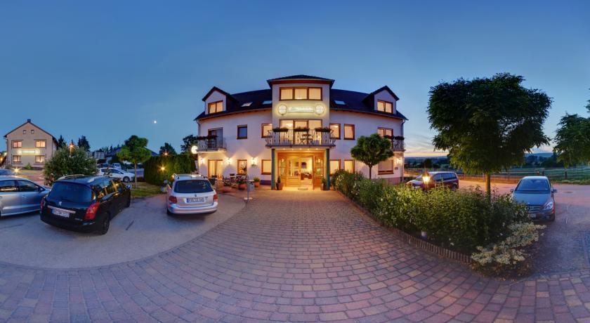 Landhotels in der pfalz gro es genie erarrangement in der for Design hotel pfalz