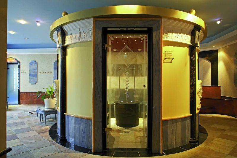 Top 100 Hotel Häcker`s Grand Hotel ***** Bad Ems an der Lahn Wellnessbereich