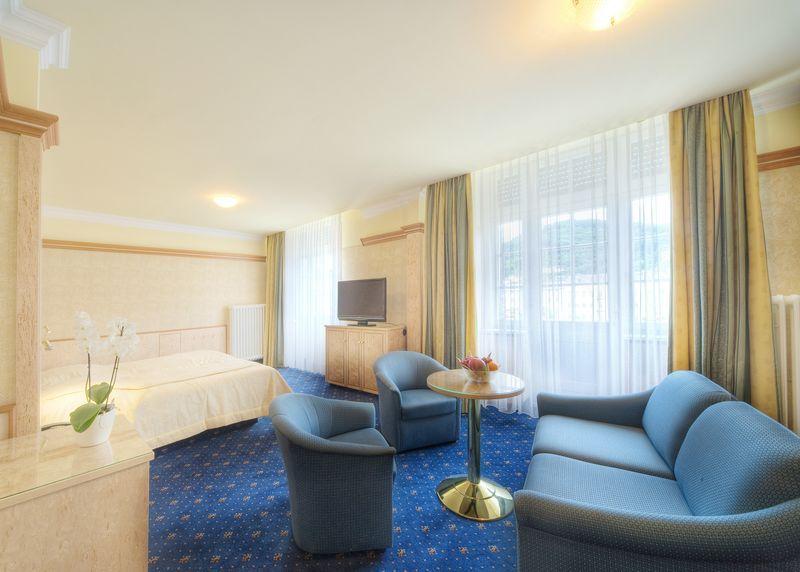 Top 100 Hotel Häcker`s Grand Hotel ***** Bad Ems an der Lahn Zimmer
